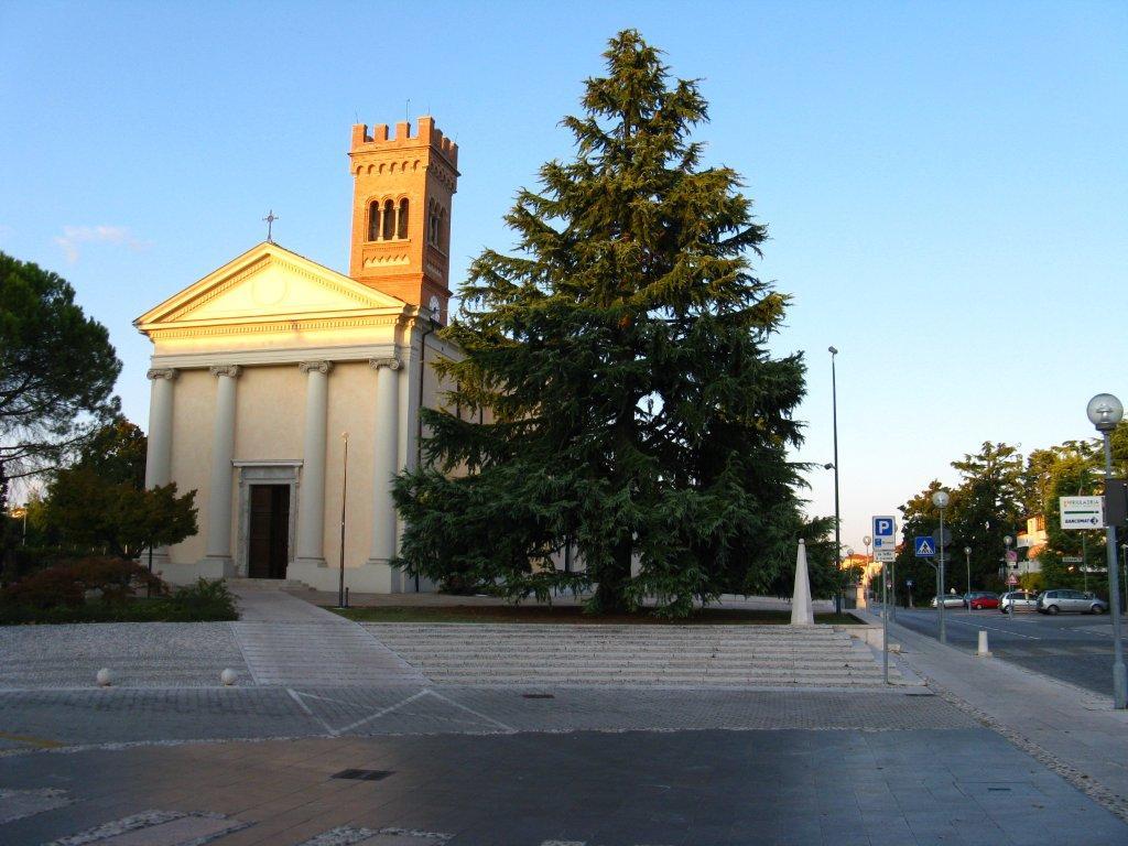 Chiesa di santa lucia parrocchia s lucia di prata di for L arredamento prata di pordenone