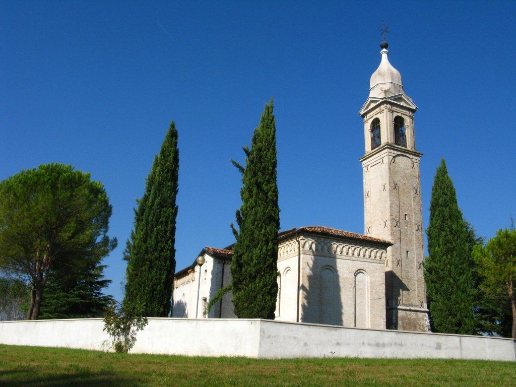 Chiesa dei santi simone e giuda taddeo parrocchia s for L arredamento prata di pordenone